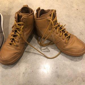Men's mid top Nike shoes- tan